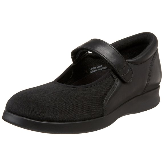 Normal style flat foot shoes